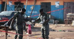 Police-bomb-experts