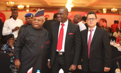 L-R: Senator Ademola Adeleke, Deputy Chairman, Senate Committee on Communications; Segun Ogunsanya, MD & CEO, Airtel Nigeria and Danny Zhang, CEO of ZTE Nigeria Limited at the launch of Airtel 4G in Ibadan.