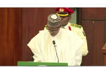 Buhari presents 2020 budget
