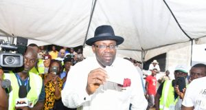 Governor Seriake Dickson of Bayelsa state casts his vote